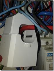Pince ampèremétrique connecté sur la phase