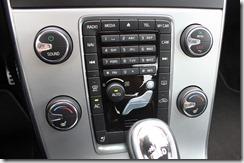Téléphone intégré dans la voiture