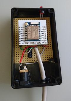 Mise en place de l'ESP8266 : un ESP-12 sur une plaque d'adaptation